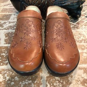 Alegria Pre-owned Size 37